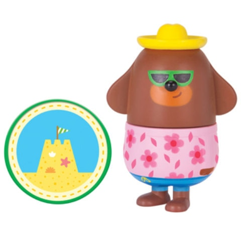 Duggee with Sandcastle Badge